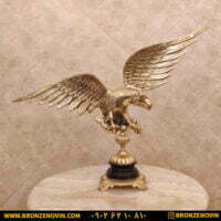 مجسمه برنزی عقاب پایه سنگی